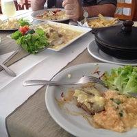 Foto tirada no(a) Antonielle A La Carte Restaurante por Juliana D. em 2/9/2014