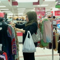 รูปภาพถ่ายที่ 1 Utama Shopping Centre (Old Wing) โดย gG•ƶȃяȃ™ เมื่อ 10/5/2012