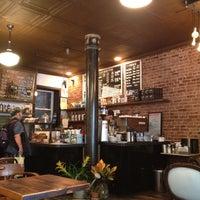 Снимок сделан в Lenox Coffee пользователем Kia 8/9/2012
