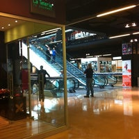 Foto tirada no(a) Mall Espacio M por Karla S. em 12/3/2012
