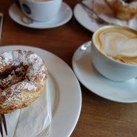 Foto scattata a Heart Coffee da Taline E. il 5/12/2014