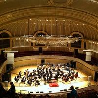 Foto tomada en Symphony Center (Chicago Symphony Orchestra) por Sarah R el 1/25/2013