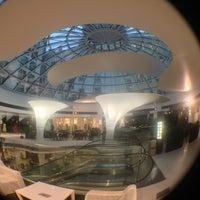 รูปภาพถ่ายที่ Kämp Galleria โดย Михаил С. เมื่อ 1/30/2013