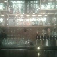 รูปภาพถ่ายที่ Cornerstone - Artisanal Pizza & Craft Beer โดย Alicyn C. เมื่อ 12/7/2012