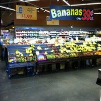Photo prise au Mariano's Fresh Market par Michael U. le3/23/2013