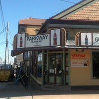 Photo prise au Parkway Bakery & Tavern par Ryan W. le2/14/2013