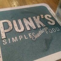 4/18/2015에 PJ G.님이 Punk's에서 찍은 사진