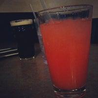 Foto scattata a Jordan's Bistro & Pub da Erica M. il 10/6/2012