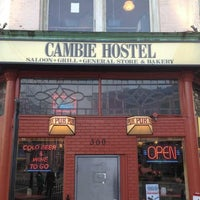 3/29/2013 tarihinde Chris G.ziyaretçi tarafından The Cambie'de çekilen fotoğraf