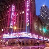 Das Foto wurde bei Radio City Music Hall von Alby R. am 5/17/2013 aufgenommen