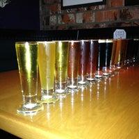 Foto scattata a BJ's Restaurant & Brewhouse da YUron il 12/16/2012