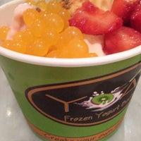 Foto tomada en Frannie's YoArt at The Plaza Food Hall por [Princess] el 10/3/2013