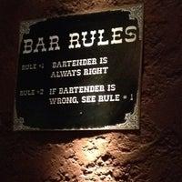 Снимок сделан в Gallaghers Irish Pub пользователем Alvaro B. 8/15/2014