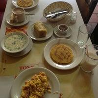 Foto scattata a Restaurante Tony da Evelyn S. il 5/12/2013