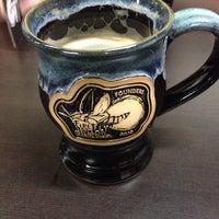 รูปภาพถ่ายที่ Firefly Hollow Brewing Co. โดย Abigail P. เมื่อ 12/20/2013