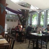 Foto diambil di Café Ambrosio oleh Osvaldo B pada 3/20/2013