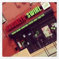 Das Foto wurde bei Brooklyn Swirl von Douglas P. am 2/16/2013 aufgenommen