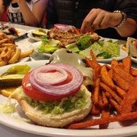 Foto diambil di Lori's Diner oleh Genie pada 6/9/2013