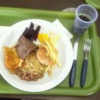 รูปภาพถ่ายที่ Restaurante Golden Grill โดย Ricardo M. เมื่อ 9/25/2012