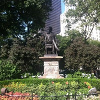 รูปภาพถ่ายที่ Madison Square Park โดย Chris R. เมื่อ 6/29/2013