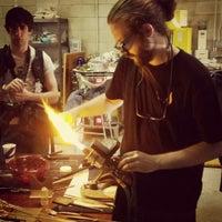 10/18/2015에 John H.님이 Ignite Glass Studios에서 찍은 사진