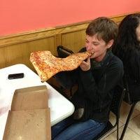 Снимок сделан в Jumbo Slice Pizza пользователем Rick T. 5/9/2013