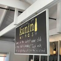 Das Foto wurde bei Kunin Wines Tasting Room von Alex P. am 12/1/2018 aufgenommen