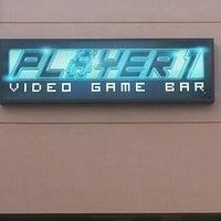 Das Foto wurde bei Player 1 Video Game Bar von Denna B. am 8/19/2013 aufgenommen