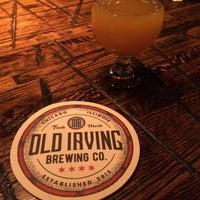 Foto tirada no(a) Old Irving Brewing Co. por Xan K. em 9/18/2018