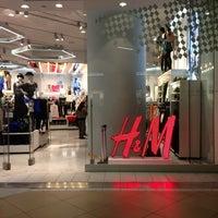 Foto tomada en H&M por Santiago F. el 6/18/2013