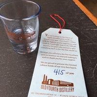 Foto tomada en Old 4th Distillery por Nate B. el 1/22/2015