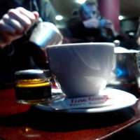 Photo prise au 5th View Bar & Food par Thibault C. le12/29/2012