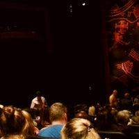 12/5/2012 tarihinde Humaid H.ziyaretçi tarafından Minskoff Theatre'de çekilen fotoğraf
