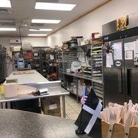 Foto tirada no(a) The Pure Pasty Co. por Loretta O. em 5/30/2019