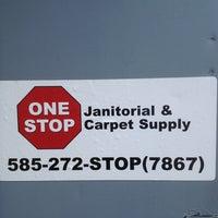 รูปภาพถ่ายที่ One Stop Janitorial & Carpet Supply โดย Joel C. เมื่อ 6/26/2013