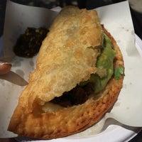รูปภาพถ่ายที่ Los Tacos No.1 โดย Tina L. เมื่อ 7/25/2014