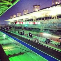Снимок сделан в Bahrain International Circuit пользователем Ahmed Z. 9/29/2012