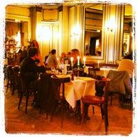Das Foto wurde bei Café Einstein Stammhaus von Olga S. am 5/22/2013 aufgenommen