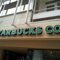 2/7/2013 tarihinde Kerime Ö.ziyaretçi tarafından Starbucks'de çekilen fotoğraf