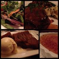 รูปภาพถ่ายที่ Cafe Massilia โดย Ruby D. เมื่อ 9/22/2012