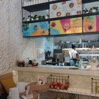 รูปภาพถ่ายที่ MOLOKO Bar โดย Darya I. เมื่อ 7/28/2017