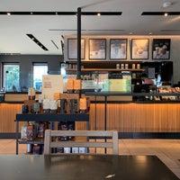 Foto scattata a Starbucks da Joshua il 10/12/2018