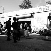 Foto scattata a Shwick Market da Brent W. il 6/6/2015