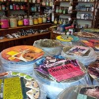 Das Foto wurde bei The Coffee & Tea Exchange von Ajay G. am 9/30/2012 aufgenommen