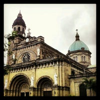 Foto tirada no(a) Cathedral-Basilica of the Immaculate Conception of Manila (Manila Cathedral) por Oliver em 2/12/2013
