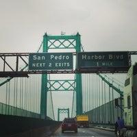 รูปภาพถ่ายที่ Vincent Thomas Bridge โดย TJ G. เมื่อ 3/20/2013