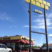 10/20/2012에 Dawn S.님이 Waffle House에서 찍은 사진