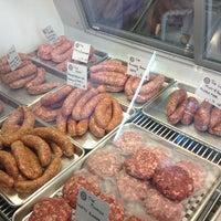 รูปภาพถ่ายที่ Proper Sausages โดย Erin L. เมื่อ 9/25/2013
