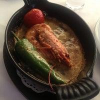 Foto tomada en Trilye Restaurant por Doris el 2/27/2014