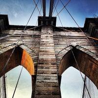 Das Foto wurde bei Brooklyn Bridge von Kody . am 6/22/2013 aufgenommen
